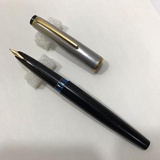 モンブラン(MONTBLANC)の逸品1本  モンブラン No 32-S 万年筆 メダルキャップ(ペン/マーカー)