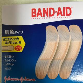 ジョンソン(Johnson's)の【バンドエイド】肌色タイプ 100枚(日用品/生活雑貨)