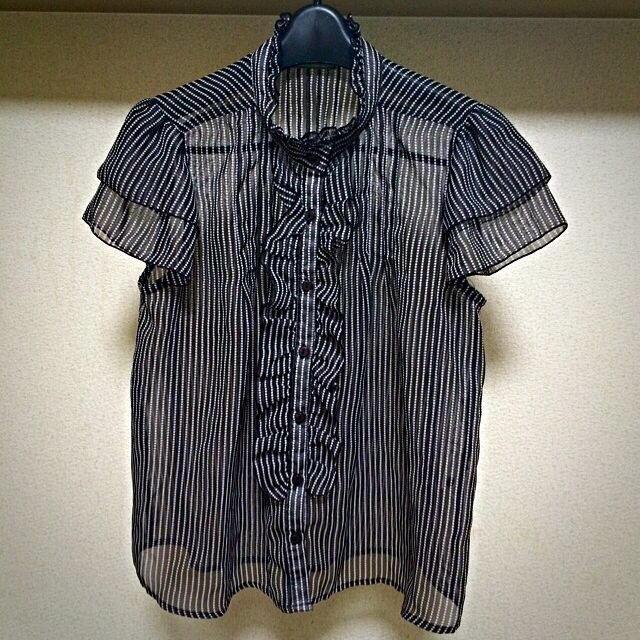 黒×白 シフォンブラウス レディースのトップス(シャツ/ブラウス(半袖/袖なし))の商品写真