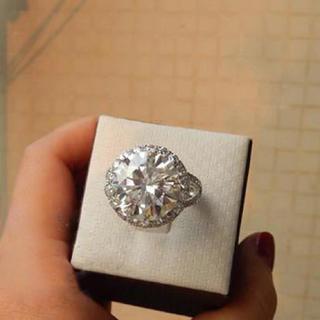 【最高級】10カラット  モアサナイト ダイヤモンド(リング(指輪))