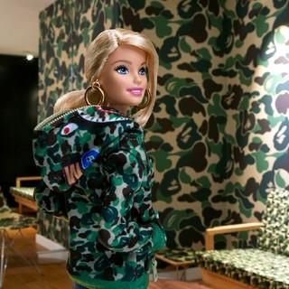 アベイシングエイプ(A BATHING APE)のBAPE x Barbie ドール グリーンカモ(ぬいぐるみ)