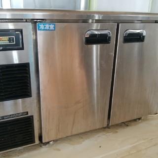 ダイワ(DAIWA)のダイワ 台下業務用冷凍冷蔵庫 左側冷凍 右側冷蔵(まだまだ使用できます)(店舗用品)