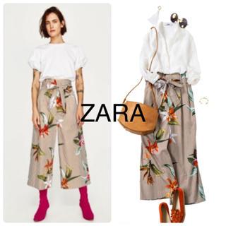 ザラ(ZARA)のZARA ザラ ボタニカル ストライプ ウエストリボン ワイドパンツXS 花柄(カジュアルパンツ)