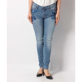 デシグアル(DESIGUAL)の新品♡定価15900円 デシグアル 刺繍が可愛い♡ジーンズ 大幅お値下げ‼️(デニム/ジーンズ)