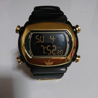 アディダス(adidas)のアディダス ブラックゴールド時計(腕時計(アナログ))