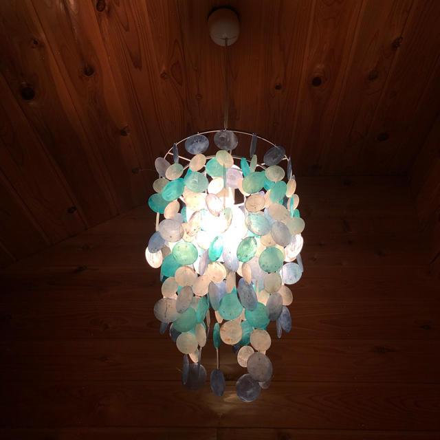 Francfranc(フランフラン)のFrancfranc フランフラン 照明 貝殻 シェル インテリア/住まい/日用品のライト/照明/LED(天井照明)の商品写真