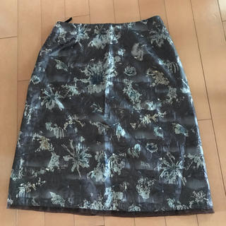 エンプリーベ(en prive)のスカート(ひざ丈スカート)