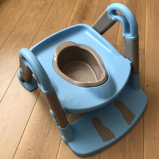 ニホンイクジ(日本育児)の3WAY トイレトレーナー (補助便座、おまる)ほぼ未使用 ✳︎(補助便座)