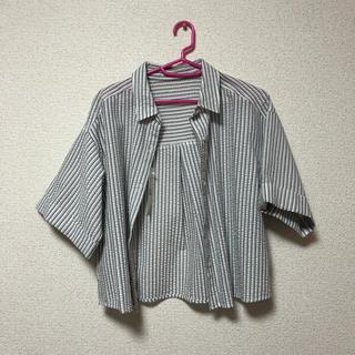 ジーユー(GU)の新品未使用 ストライプシャツ(シャツ/ブラウス(半袖/袖なし))