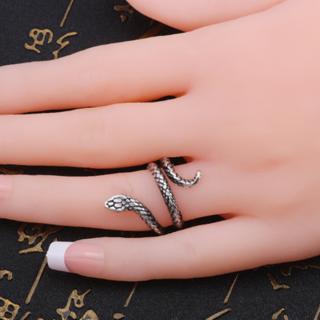 蛇 指輪 リング スパイラル スネーク ヴィンテージ風 アンティーク シルバー(リング(指輪))