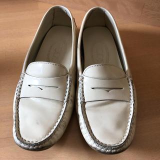 トッズ(TOD'S)のトッズ ローファー 34 1/2 ★ 21.5cm(ローファー/革靴)