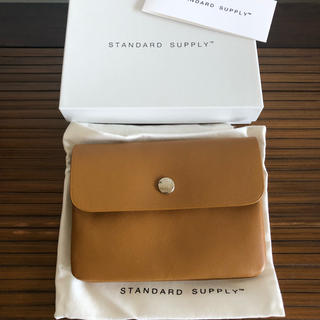ホワイトハウスコックス(WHITEHOUSE COX)の新品 1.5万 STANDARD SUPPLY レザーウォレット財布 ベージュ(財布)