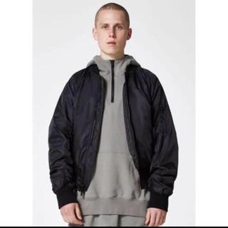 フィアオブゴッド(FEAR OF GOD)のfog essentials bomber jacket Mサイズ(ナイロンジャケット)
