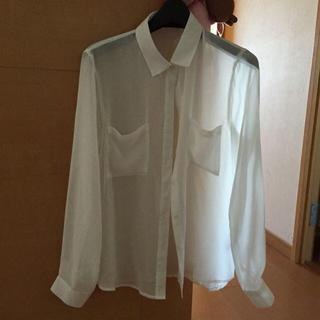 ジーユー(GU)の白 シャツ(シャツ/ブラウス(長袖/七分))