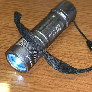 ジェントス(GENTOS)の【美品・中古】LED懐中電灯 ジェントス SG-305(ライト/ランタン)