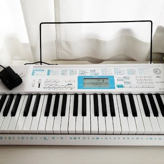 カシオ(CASIO)のCASIO 電子ピアノ LK128(キーボード/シンセサイザー)