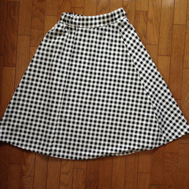 THE EMPORIUM(ジエンポリアム)のギンガムチェック  フレアスカート レディースのスカート(ひざ丈スカート)の商品写真