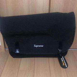 シュプリーム(Supreme)のsupreme メッセンジャーバッグ  黒(メッセンジャーバッグ)