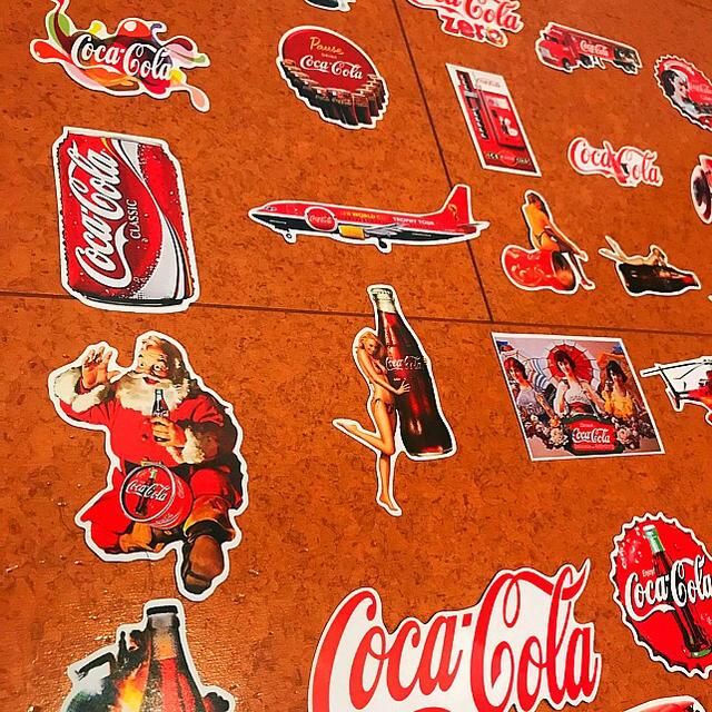 コカ・コーラ(コカコーラ)のコカ・コーラ 防水ステッカー シール 26枚セット 自動車/バイクのバイク(ステッカー)の商品写真