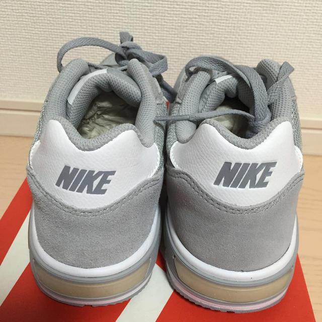 NIKE(ナイキ)の再入荷 ナイトゲイザー 25.0 レディースの靴/シューズ(スニーカー)の商品写真