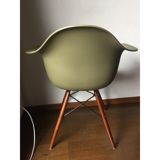 EAMES(イームズ)のイームズ アーム チェア DAW グリーン インテリア/住まい/日用品の椅子/チェア(ダイニングチェア)の商品写真