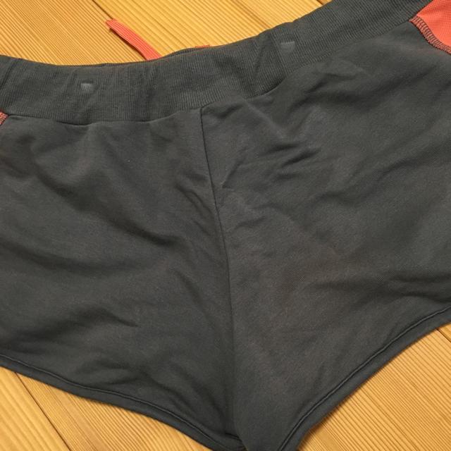 GU(ジーユー)のランニングウェア 短パン GU Lサイズ スポーツ/アウトドアのランニング(ウェア)の商品写真