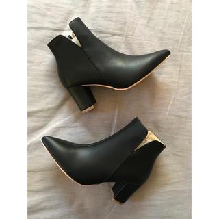 ティティベイト(titivate)のtitivate ポインテッドトゥ 7cmヒールショート丈ブーツ(ブーツ)