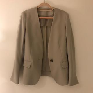 スーツカンパニー(THE SUIT COMPANY)のSUITS COMPANY ノーカラーのジャケット ベージュ(ノーカラージャケット)