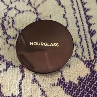 セフォラ(Sephora)のhourglass アワーグラス トランスルーセントパウダー フェイスパウダー(フェイスパウダー)
