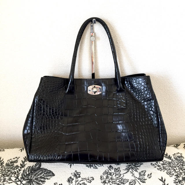 e875aaf1d032 Furla - FURLA クロコ型押し本革バッグ A4の通販 by pea37's shop ...