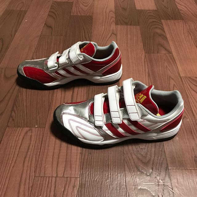 adidas(アディダス)の40%オフ アディダス 25cm トレーニングシューズ レッド ホワイト  スポーツ/アウトドアの野球(シューズ)の商品写真