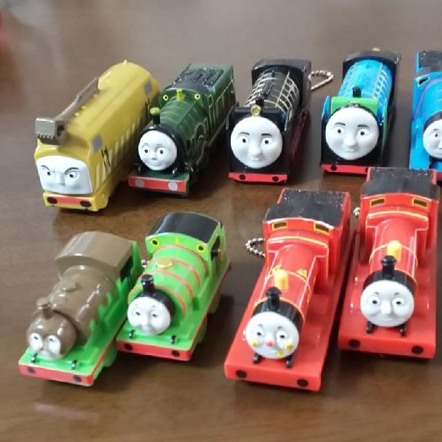 TAITO(タイトー)のトーマス ミニトレイン 13点セット キッズ/ベビー/マタニティのおもちゃ(電車のおもちゃ/車)の商品写真