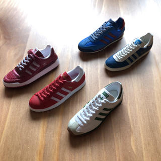 アディダス(adidas)のたまごろう様専用*ˊᵕˋ*  adidasスニーカー フィギュア(スポーツ)