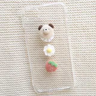 メリージェニー(merry jenny)のわんちゃんとお花とイチゴのスマホケース (iPhoneケース)