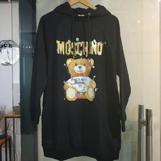 モスキーノ(MOSCHINO)の超お買いMOSCHINO モスキーノ 長袖 (パーカー)