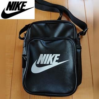 ナイキ(NIKE)の☆4L☆ナイキ  ショルダーバッグ ブラック 新品(ショルダーバッグ)