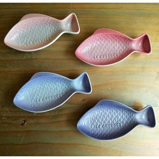 ルクルーゼ(LE CREUSET)のつーちゃん様 ルクルーゼ 魚 サカナ Sサイズ4枚セット+ナプキンリング1セット(食器)