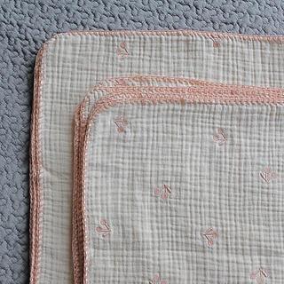 さくらんぼの刺繍の3重ガーゼケット(タオルケット)