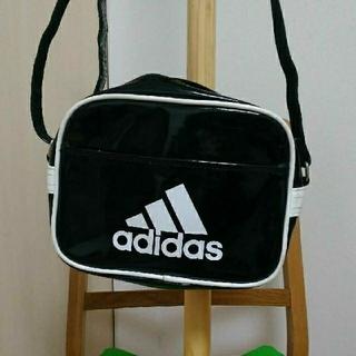 アディダス(adidas)のAdidasアディダス エナメルミニショルダーバック(ショルダーバッグ)