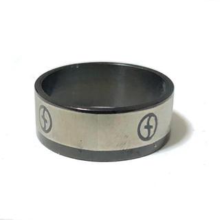 同時購入で300円 ステンレス指輪ライン ロゴ(リング(指輪))