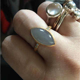 fruitsjolie☆フリュイジョリ希少価値のある天然石リング。(リング(指輪))