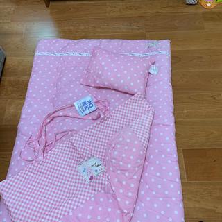 ニシマツヤ(西松屋)の布団と枕セット(ベビー布団)