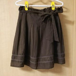 バイバイ(ByeBye)のスカート Bye Bye カーキ ブラウン リボン付き(ひざ丈スカート)