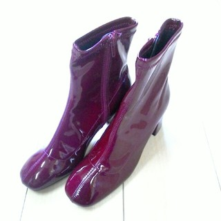 ザラ(ZARA)のZARA ショートブーツ ワインレッド 新品(ブーツ)