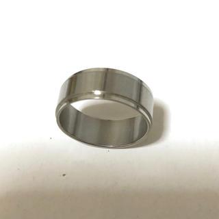 同時購入で300円 ステンレス指輪中央ライン シルバー(リング(指輪))