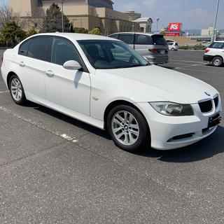 ビーエムダブリュー(BMW)のE90 BMW 320i白 40,000km 無事故 タイヤほぼ新品 H18(車体)