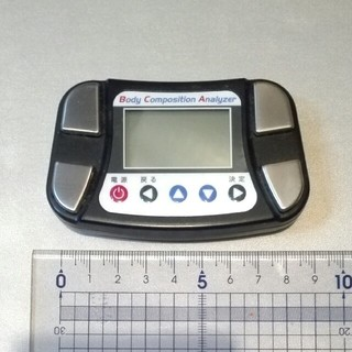 タニタ(TANITA)のミニサイズ★体脂肪計(体脂肪計)