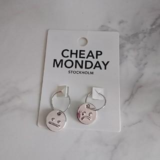 チープマンデー(CHEAP MONDAY)のCHEAP MONDAY ☺️ ピアス(ピアス)