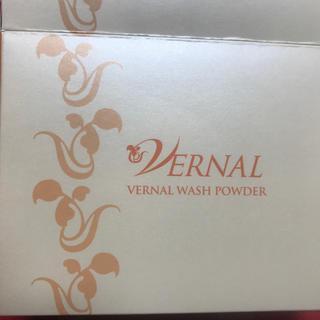 ヴァーナル(VERNAL)のお値下げ ヴァーナル 薬用ウォッシュパウダー  洗顔料  0.5gx100包(洗顔料)