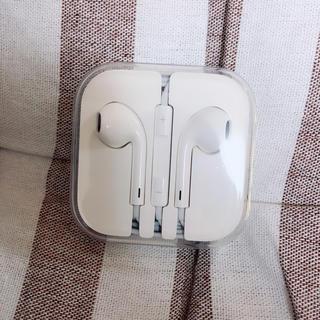 アップル(Apple)の純正スマートフォン iPhone イヤホン(ヘッドフォン/イヤフォン)
